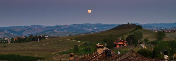 Langhe moon